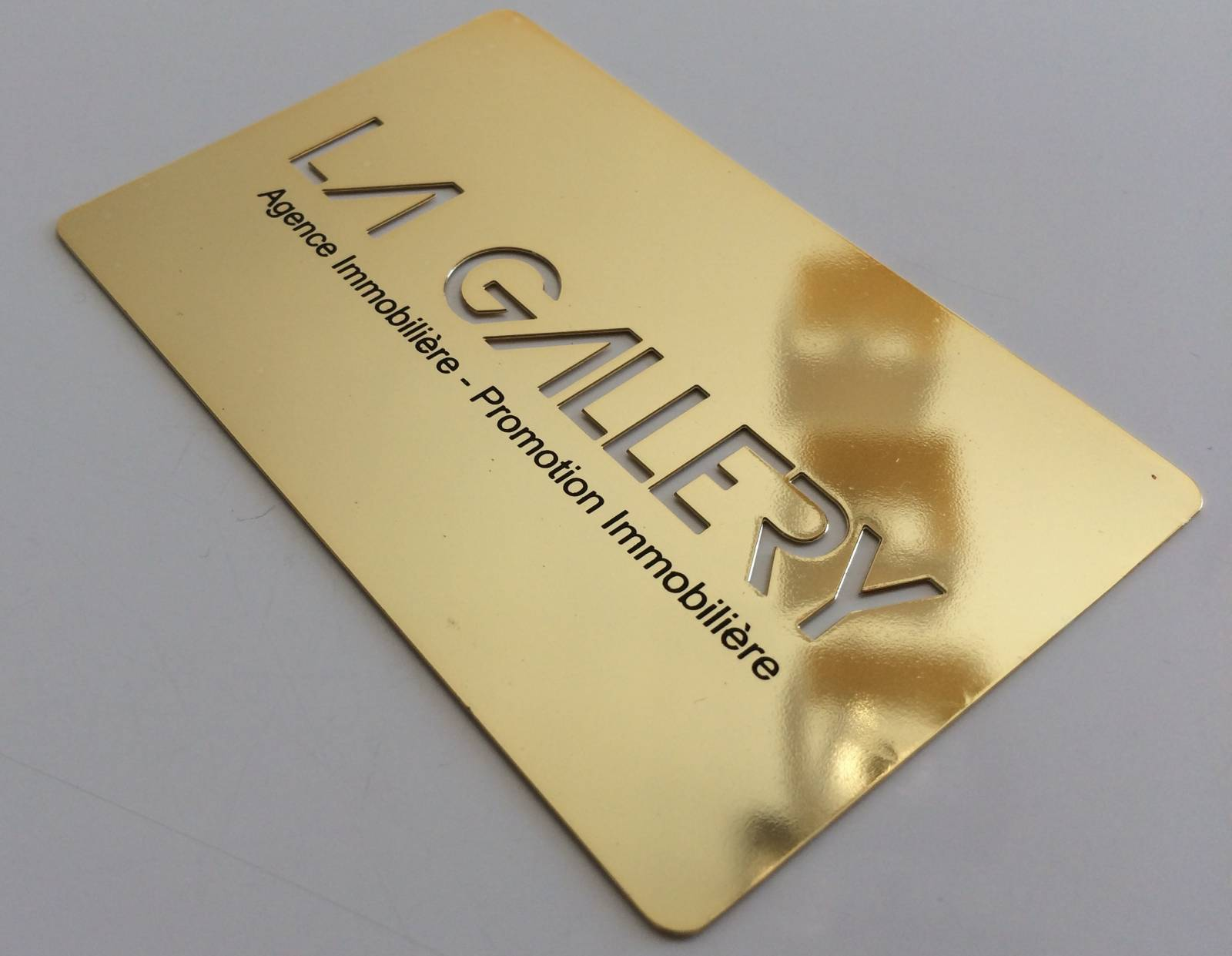 Carte Originale En Metal Or Brillant Perforee Haute De Gamme Pour Agent Immobilier A Angers Visite